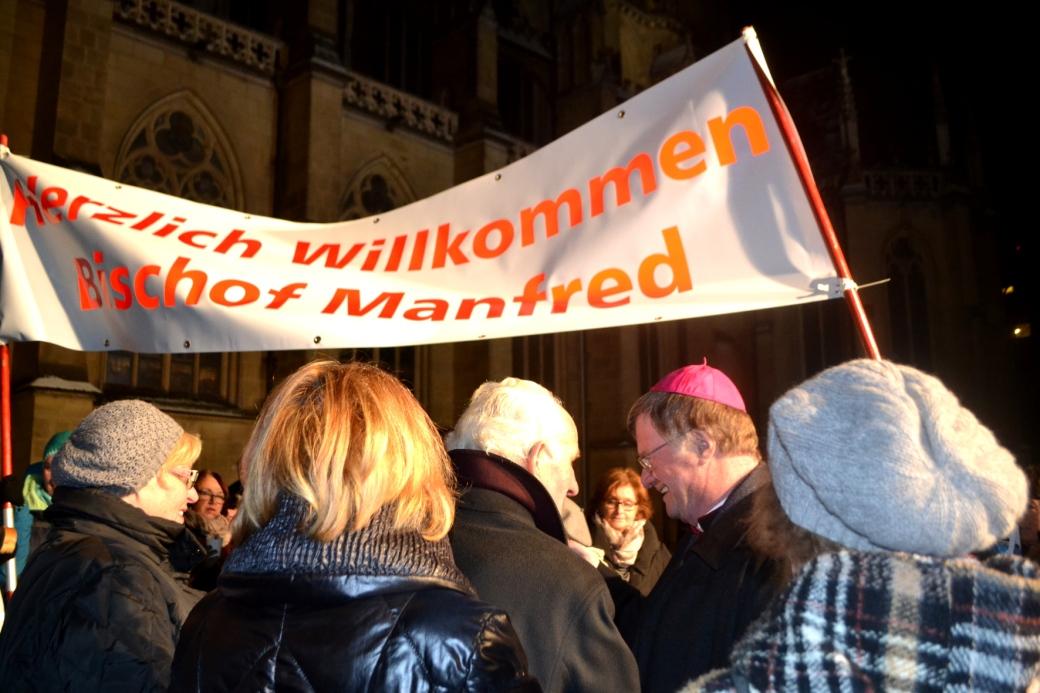 a-DomplatzWillkommen2